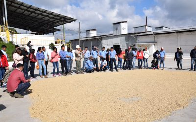 Estudiantes de la Universidad de Agricultura visitan COMSA